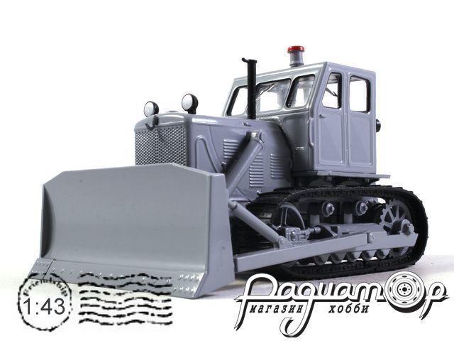 Т-100М с отвалом (1964) с журналом Тракторы №60