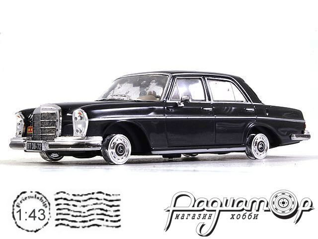 Mercedes-Benz 250SE