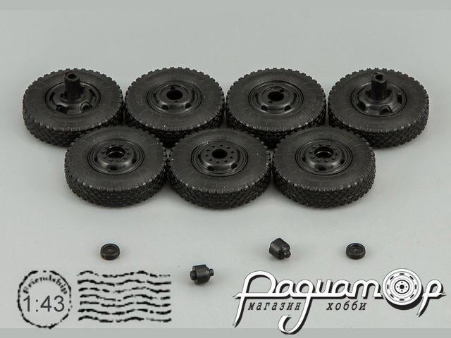 Набор колесных дисков и покрышек И-109А для ЗИС-127 500006