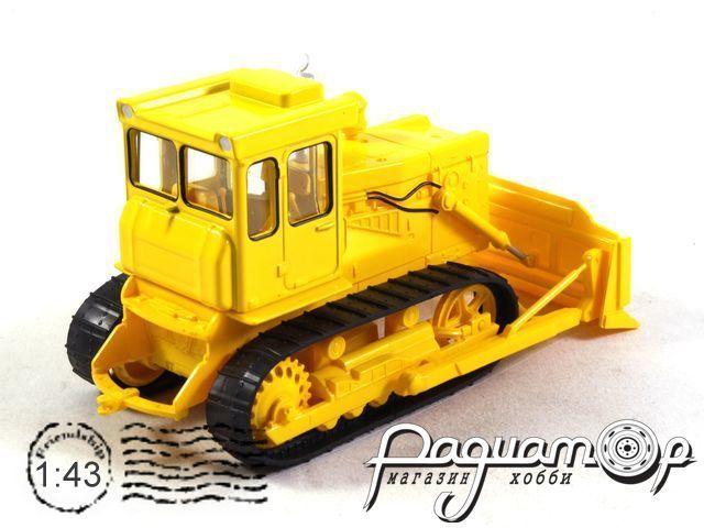 Тракторы №59, Т-130 с отвалом (1969)