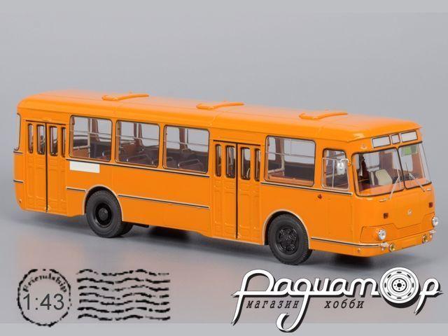 ЛиАЗ-677М, с запасным колесом (1983) 04002E