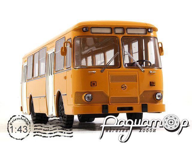 ЛИАЗ-677М городской автобус (1986) SSM4004