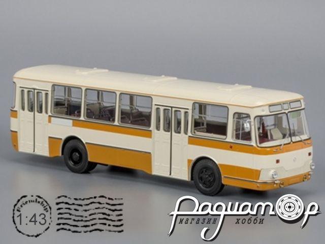 ЛиАЗ-677М, с запасным колесом (1978) 04018С