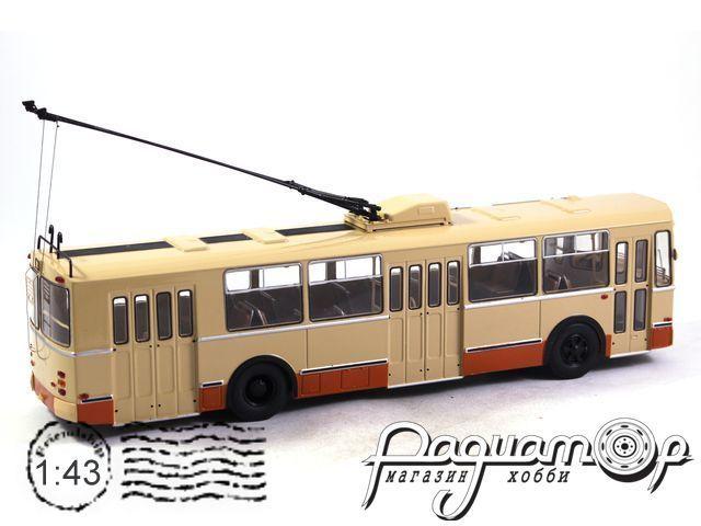 Троллейбус ЗИУ-9 (1982) SSM4001 (с рабочими штангами)