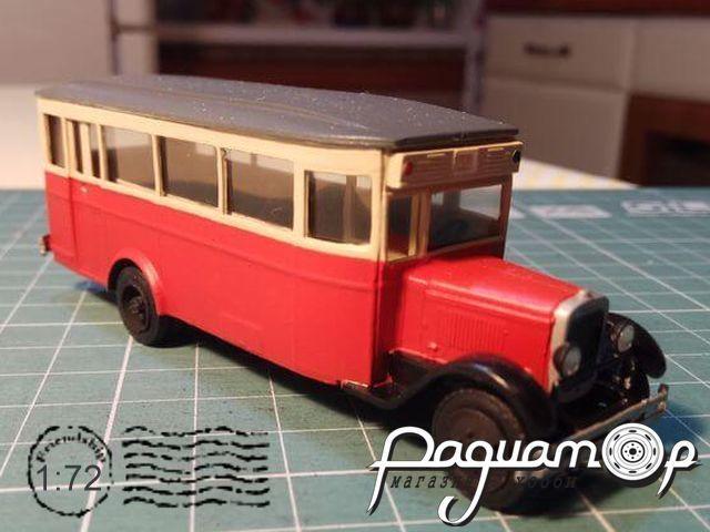 Сборная модель Городской автобус ЗиС-8 72110