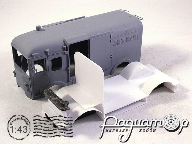 Сборная модель СВАРЗ ТГ-3 спецтягач (1964) 180809