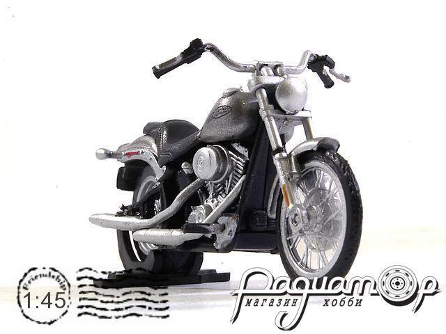 Harley-Davidson Softail Standard 915247