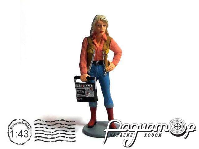 Девушка с магнитофоном AU015