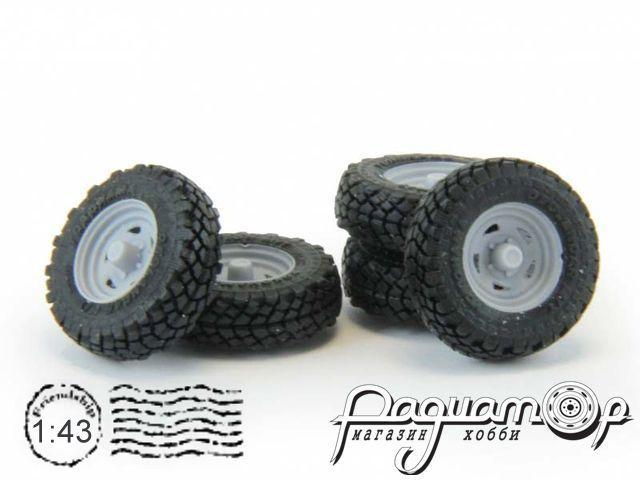 Набор колес для внедорожников (диск Ikon Wheels, резина Yokohama Geolandar) GM009