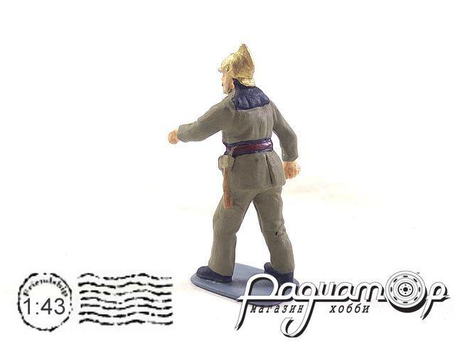 Пожарный, бегущий AU128