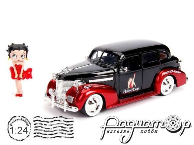 Chevrolet Master Deluxe with Betty Boop Figure (1939) 30695