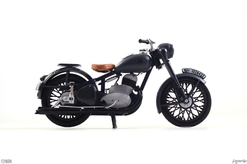 Jawa 250 Perak (1942) 118M-013