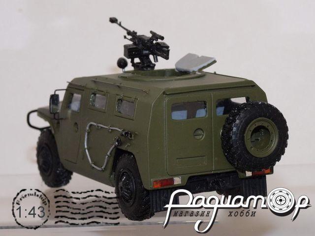 Сборная модель ГАЗ Тигр с пулеметом