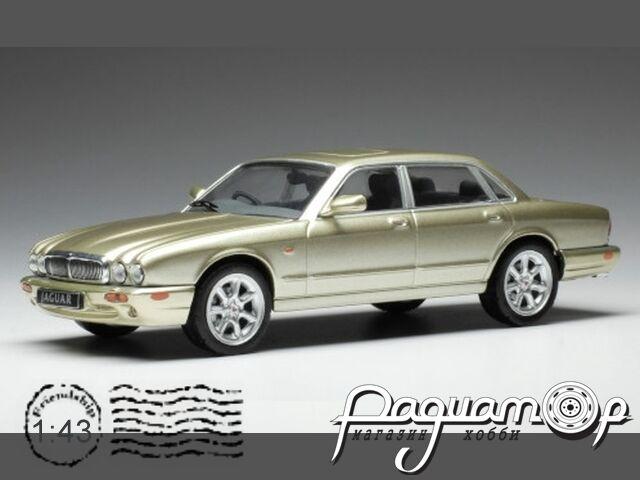 Jaguar XJ 8, beige (X308) (1998) CLC346N