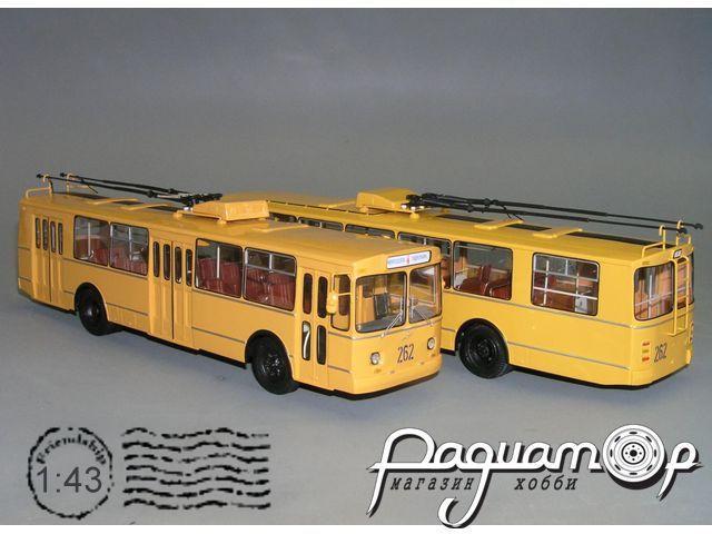 Троллейбус ЗиУ-682В одноцветный (1982) W1-37.1