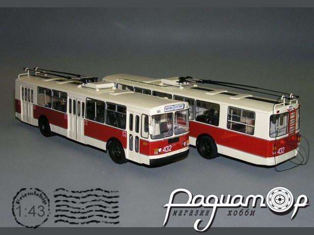 Троллейбус ЗИУ-682Г (подиум водителя) (1991) W1-39